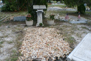 Dad's grave, in Lemon Bay Cemetery.  Photo from 2008, before my mom was laid to rest by his side.